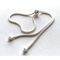 Luxusní dámský stříbrný řetízek na ruku typu hadinka
